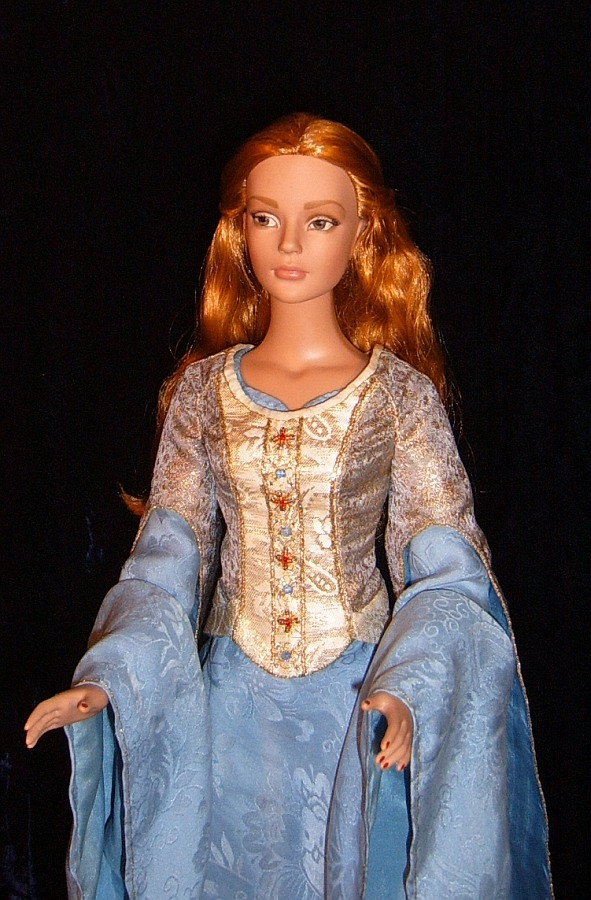 "Eowyn - OOAK Victory gown for 16"" doll ROTK"